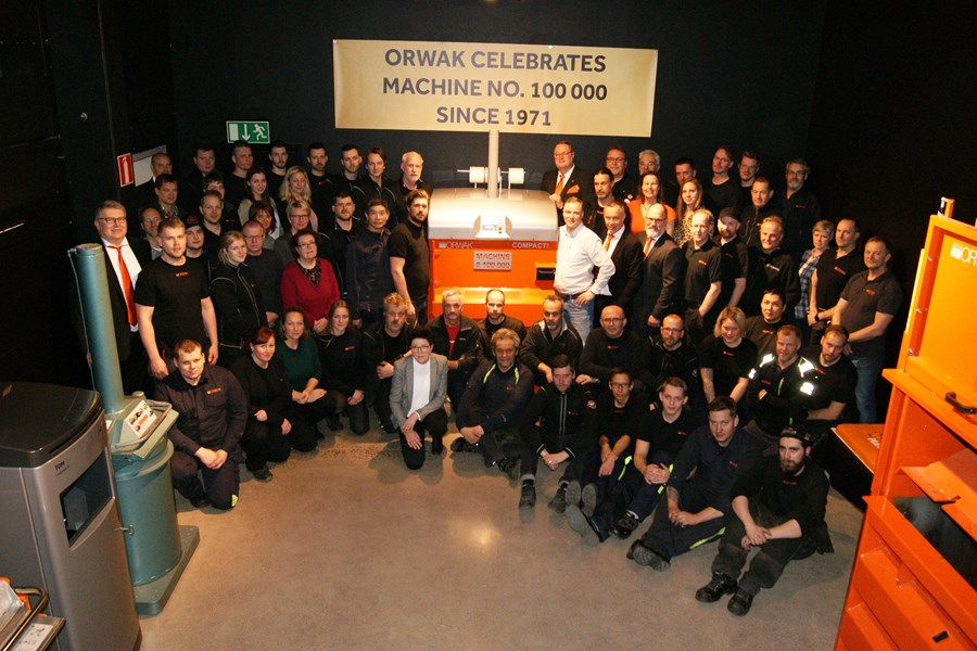 Orwak celebrates 100 000 machines_all staff.jpg